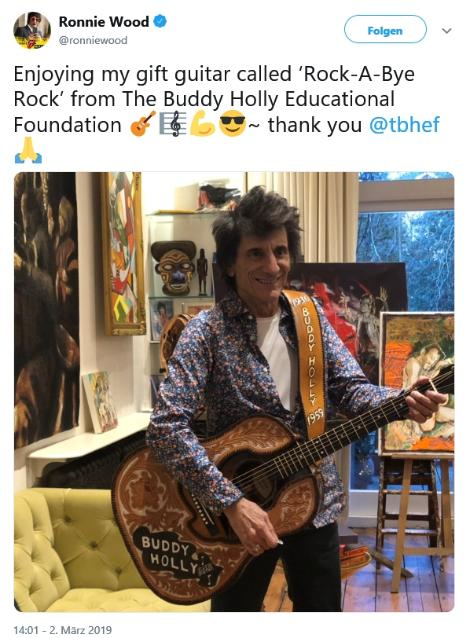 Ronnie Wood with the BHEF Buddy Holly Guitar