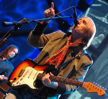 TOM_PETTY_ON_STAGE