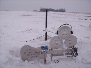 CRASH_SITE_MEMORIAL_2008