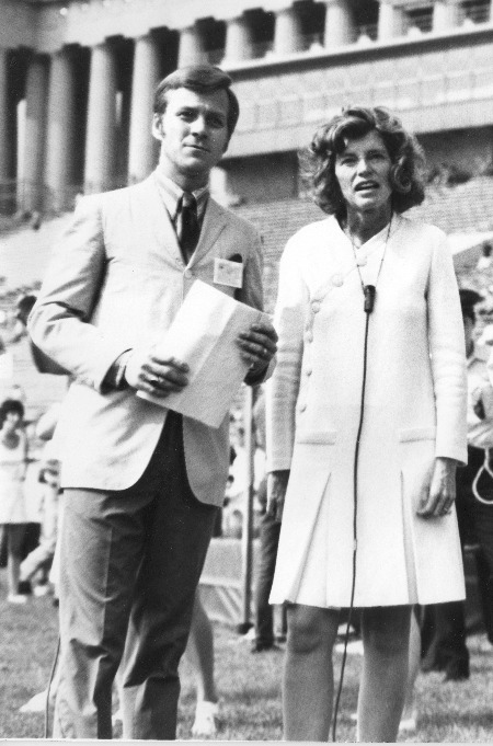 Bob_Hale_and_Eunice_Kennedy_Shriver_at_Founding_of_Special_Olympics_1968.jpg