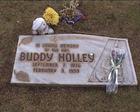 Buddy_Holly_Headstone_2002.jpg